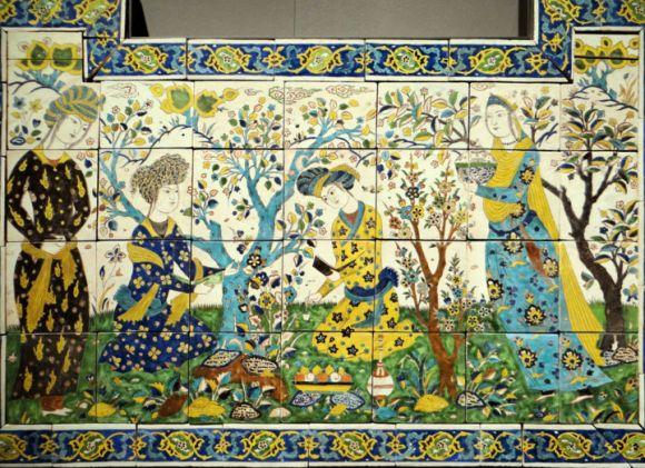 musee-du-louvre-departement-des-arts-de-l-islam-joute-poetique-ceramique-iran-17e-siecle.jpeg