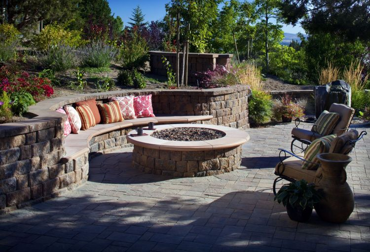 How To Create Fire Pit On Yard Simple Backyard Fire Pit Ideas Artmakehome