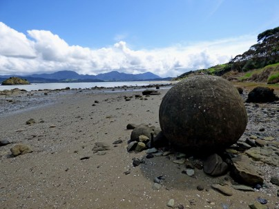 15-Koutu-boulder