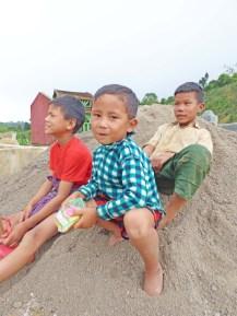 Enfants monastère-2
