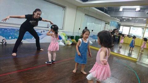 4-5 yo dance