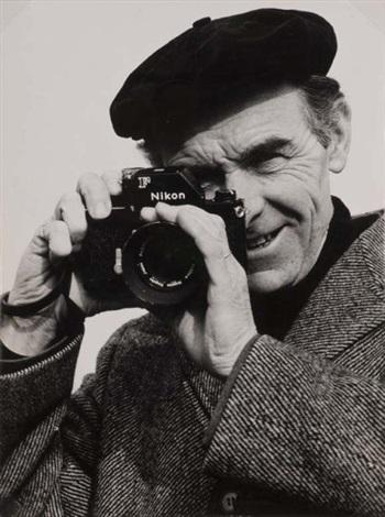 Portrait de Robert Doisneau au Nikon by Gérard Dussandier on artnet