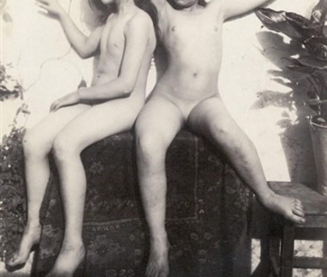 Two Nude Girls By Guglielmo Von Pluschow
