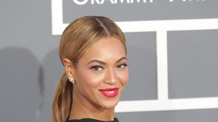 Beyoncé Portrait Acquired by Smithsonian National