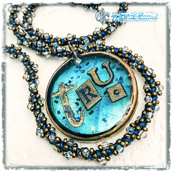 Definition_TRUE_necklace