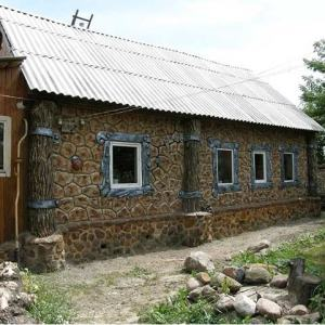 Фасад из бетона в деревенском стиле