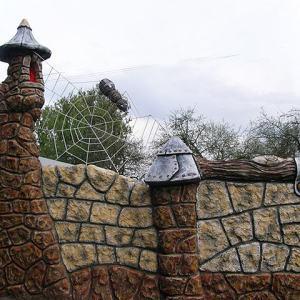 Бетонный забор Паук на паутине