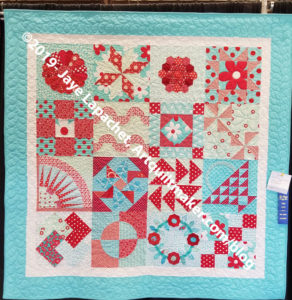 Aqua-Red Sampler with prize