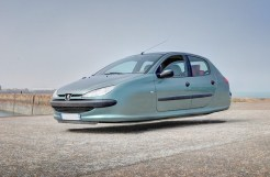 The-Flying-Cars_3-640x421