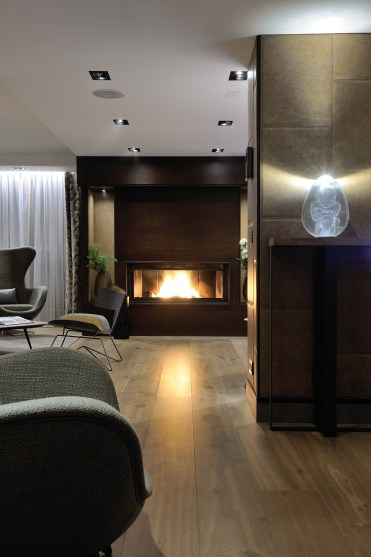 fireplace-chalet-blackstone-by-ikone-_studio_erick_s
