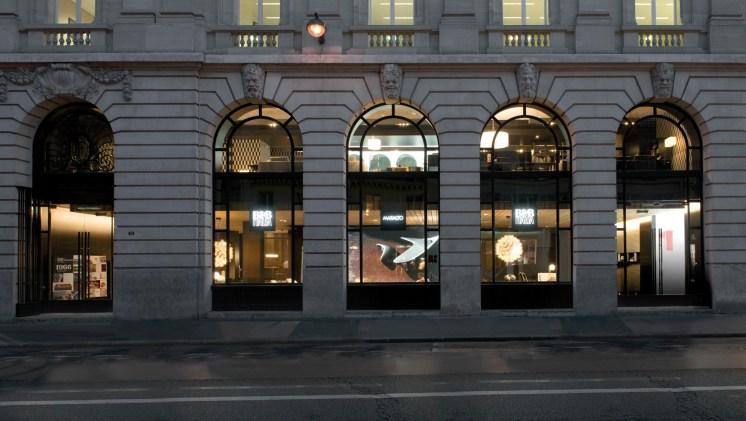 B&B-Italia-Paris-façade