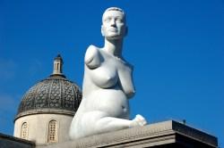 Estatua de Alison Lapper en Trafalgare Square [Clic para ampliar la imagen]