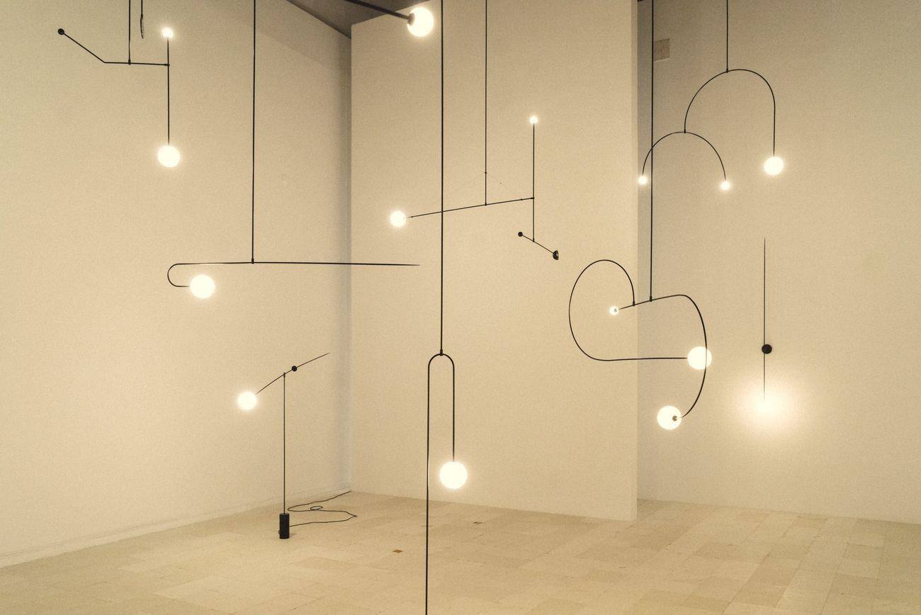 Il Design Di Michael Anastassiades In Mostra A Cipro