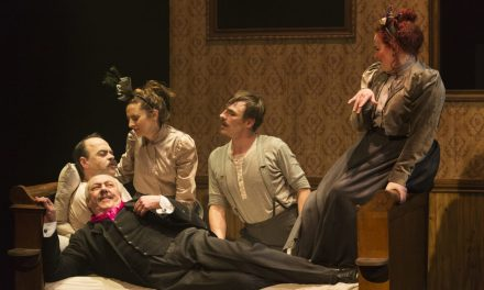 Dans la tête de Proust, l'impressionnante performance de Sylvie Moreau et du Théâtre Omnibus
