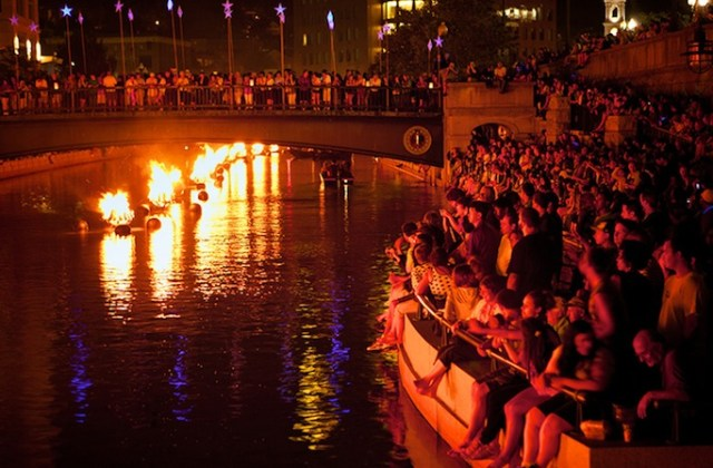 A view of the audience watching the WaterFire installation in Providence.