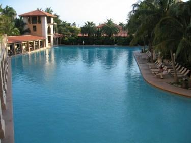 Pool_Biltmore_hotel_coral_gables_florida.jpg