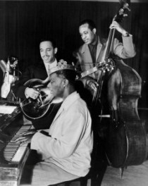 640px-Nat_King_Cole_Oscar_Moore_Johnny_Miller_King_Cole_Trio_1947