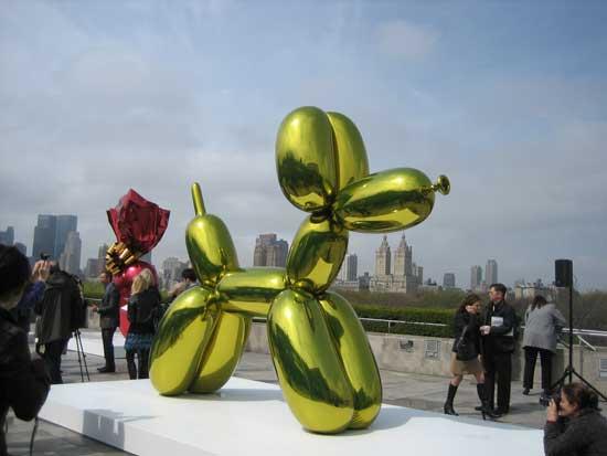 "Koons, ""Balloon Dog (Yellow),"" 1994-2000, Steven and Alexandra Cohen Collection Photo by Lee Rosenbaum"