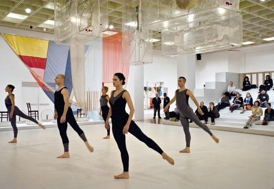 Dancing Cunningham, October 26. Front (L to R): Melissa Toogood, John Hinrichs, Emma Desjardins. Rear: Marcie Munnerlyn, Brandon Collwes. Photo: Constance Mensh