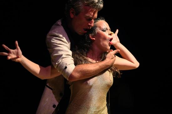Octavio Campos licking Ivonne Batanero clean (mostly). Photo: Julieta Cervantes