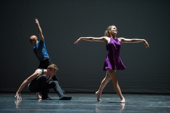 An earlier L.A. Dance Project cast in William Forsythe's Quintett. (Foreground): Nathan Makolandra and Rachelle Rafailedes. At back: Charlie Hodges
