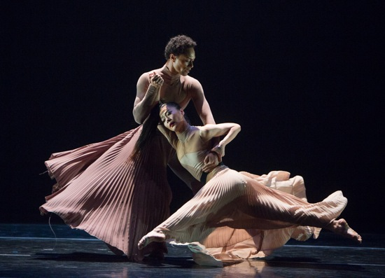 Abdiel Jacobsen and PeiJu Chien-Pott of the Martha Graham Dance Company in Andonis Foniadakis's Echo. Photo: Yi-Chun Wu
