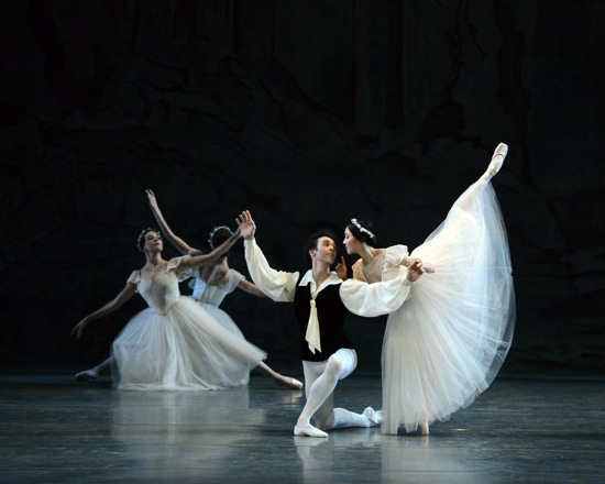 Another Les Sylphides cast: Thomas Forster and Hee Seo, plus two corps de ballet sylphs. Photo: Marty Sohl