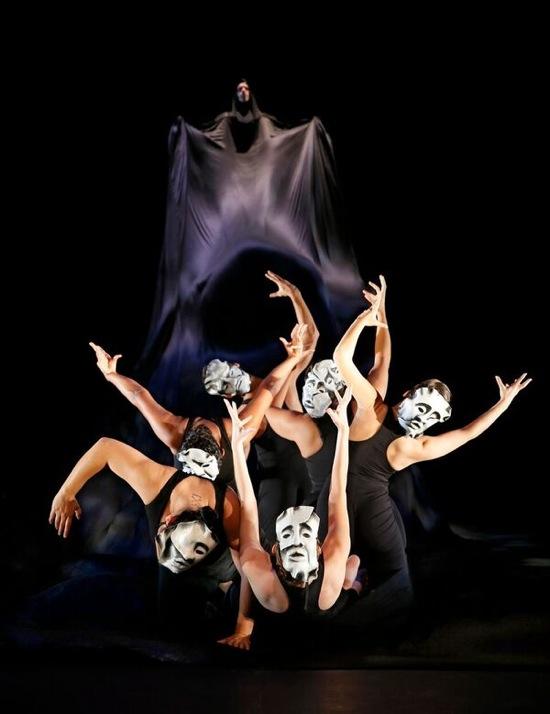 The dark tide of tragedy. Noche Flamenca's A ntigona. Photo: Chris Bannion