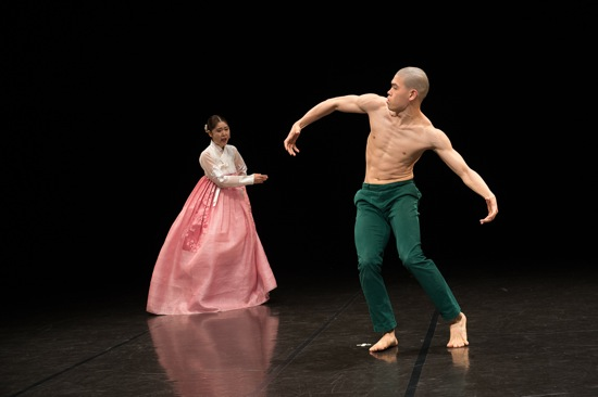 Seo-hee Lee addressing Ji-soo Ryu in Balance and Imbalance. Photo: Christopher Duggan.
