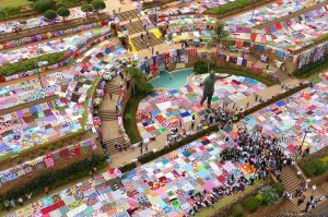 67 Blankets for Mandela Day smashed the Guinness World Record by laying over 3000 square metres of blankets on the lawns of the Union Buildings.
