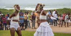 Fresha Festival 2018 - Dudlu…Dadlaza – a Dance piece by Musa Hlatshwayo and Mhayise Productions. These dancers will be doing early morning daily dance classes again this year. Photo: Vanessa Cracknell.