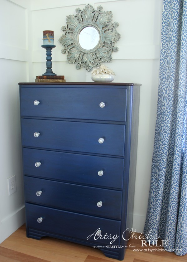 Coastal & Corinth Blue Milk Paint Makeover w Java Gel Top - LOVE this blue blend! - #generalfinishes #milkpaint #javagel artsychicksrule.com