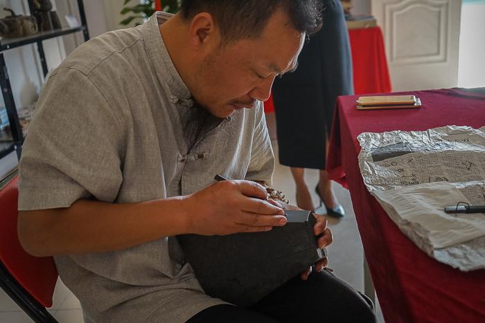 Hua Quan Village China Woodcarving demonstration2-2