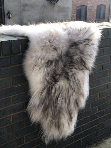 Icelandic Natural Sheepskin - Soft, fluffy, in natural colour, odourless