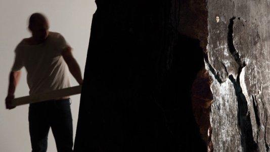 I Hear a Shadow, 2009