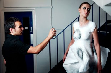 Spray-on fabric - Manel Torres