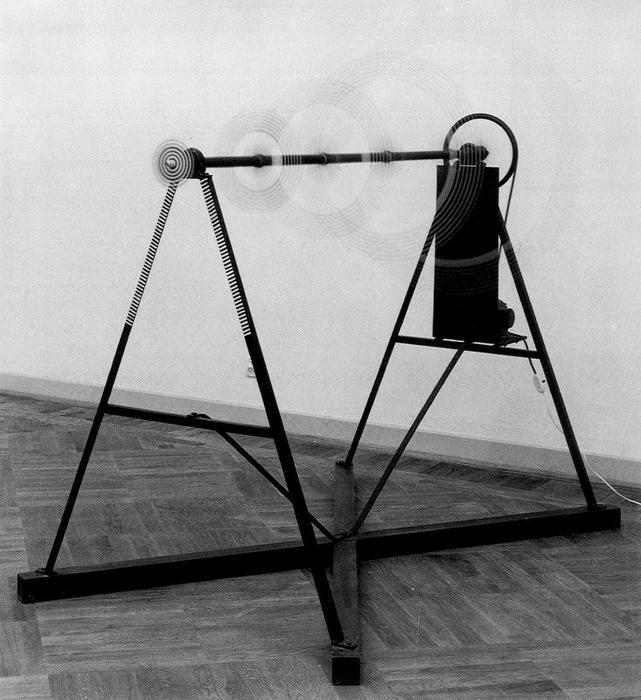 Lastre di vetro rotante, 1920, installazione in vetro e metallo - Marcel Duchamp