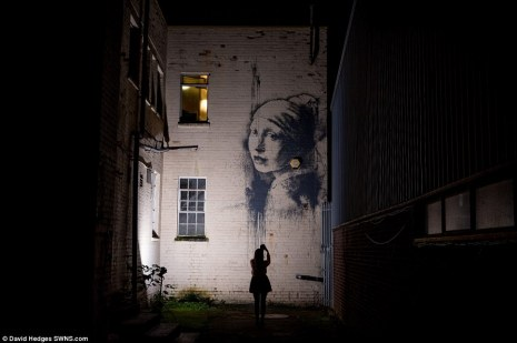Banksy - The girl with the Pierced Eardrum