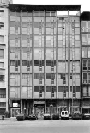 Vico Magistretti - Palazzo corso Europa