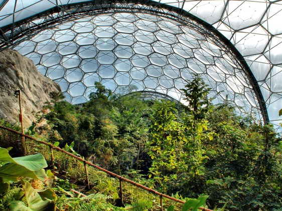 Nicholas Grimshaw and Partners, The Eden Project, 2001. Ph. raredelights.com