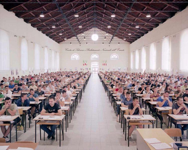 Concorso pubblico per 9 posti per educatore di asilo nido nel Comune di Firenze, presso l'Obi Hall. 2813 domande di partecipazione e 2174 affluiti. Firenze, 9 Maggio 2014 - Michele Borzoni