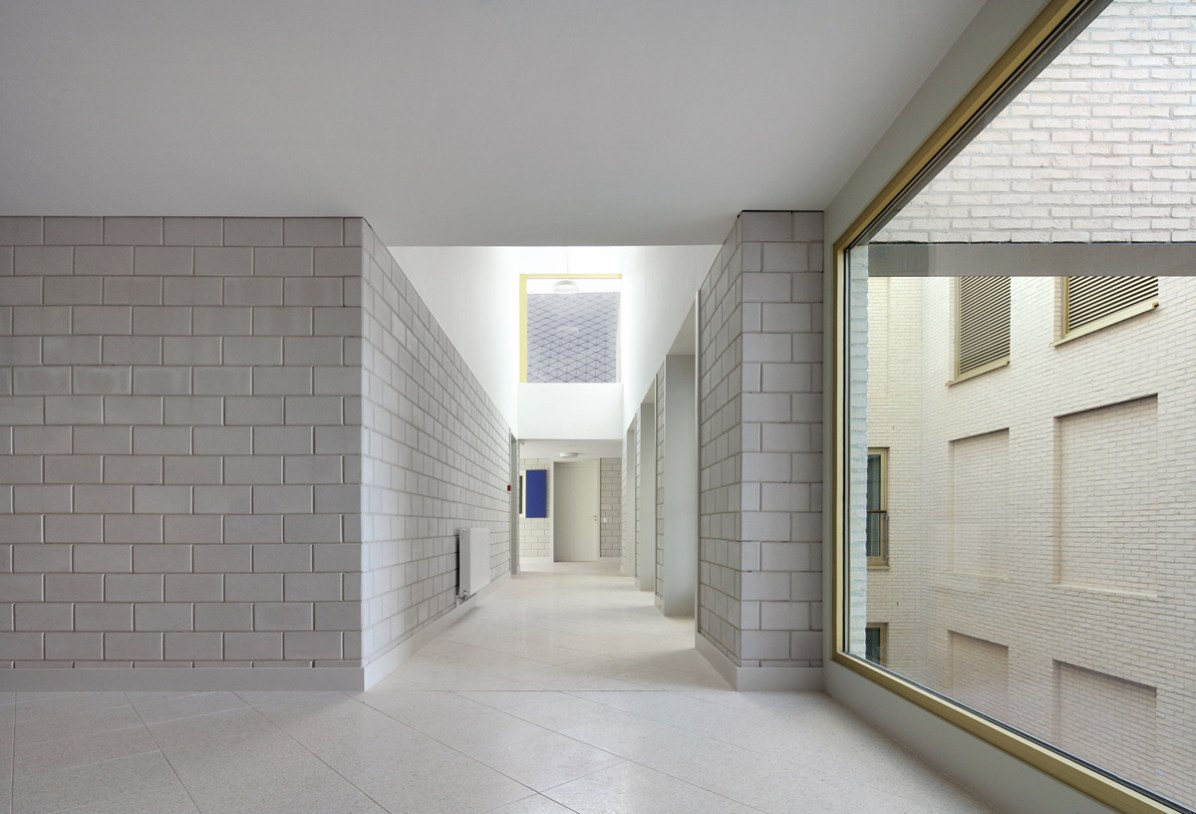 Filip Dujardin_ Housing and Social Center, de Vylder Vinck Taillieu, DRDH Architects (3)