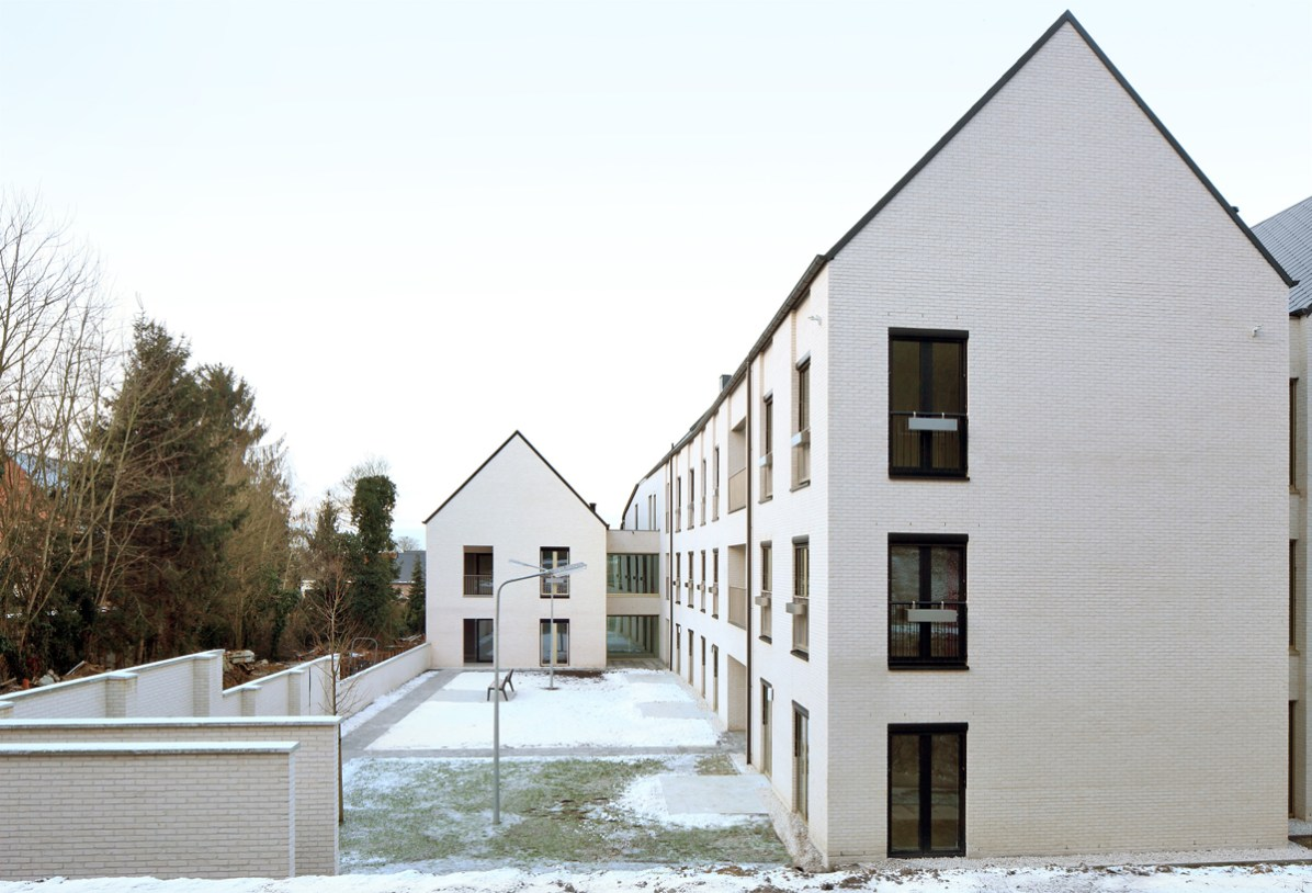 Filip Dujardin_ Housing and Social Center, de Vylder Vinck Taillieu, DRDH Architects (8)