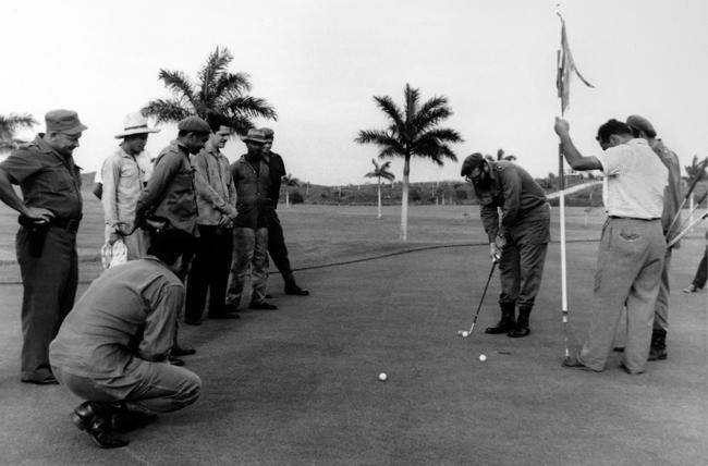 El juego de golf - © Alberto Korda