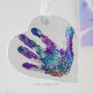 Arty Crafty Kids - Craft - Glitter Clay Handprint Ornament