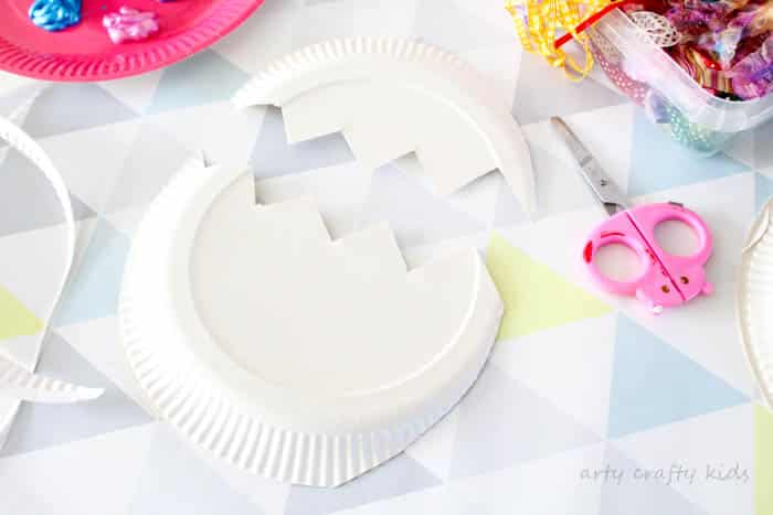 Arty Crafty Kids | Craft | Easter | Paper Plate Easter Egg Chick Surprise