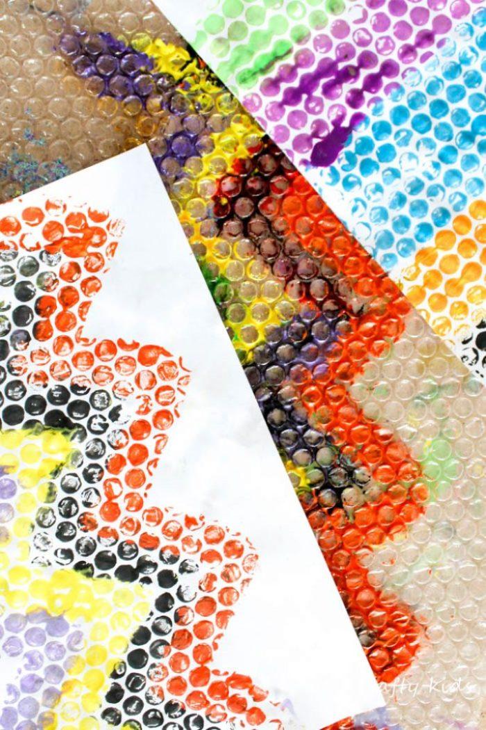 Arty Crafty Kids   Art   Bubble Wrap Printing