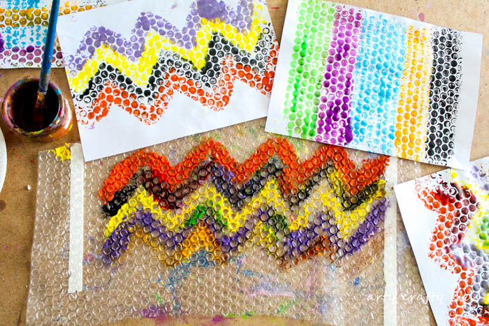 Arty Crafty Kids | Art | Bubble Wrap Printing