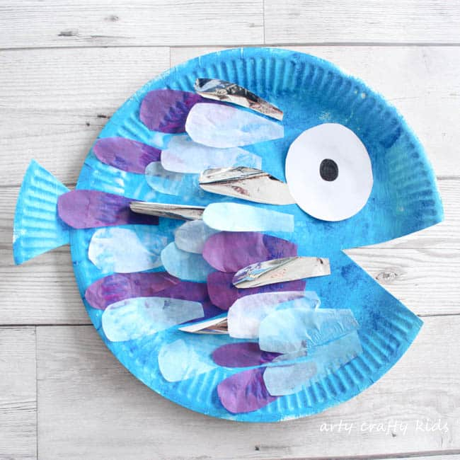 Craft: Paper Plate Rainbow Fish Craft