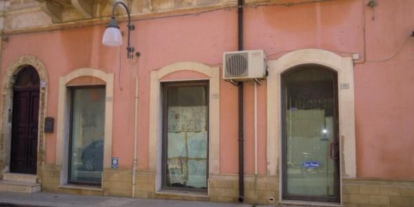 Pachino locale commerciale via garibldi (17)